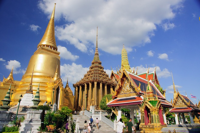 Travel in Wat Phra Kaew จาก : https://goo.gl/Mn372s