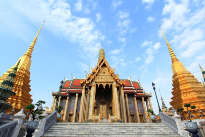 Travel in Wat Phra Kaew จาก : https://mareenatravel.wordpress.com/