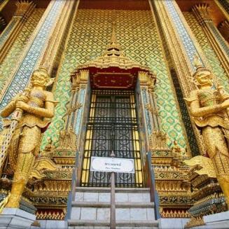วัดพระศรีรัตนศาสดาราม สุดยอดความงามและคุณค่าช่างศิลป์ไทย จาก : http://www.oknation.net/blog/supawan/2014/01/03/entry-1